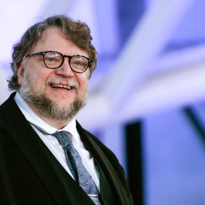 Piden apoyo a Guillermo del Toro para que equipo de hockey no se quede en la calle