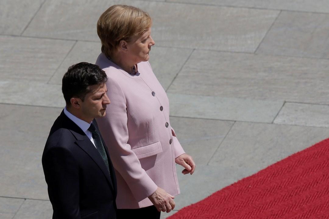 Foto: El presidente de Ucrania, Vladimir Zelenski, y la canciller alemana, Angela Merkel, 18 de junio de 2019, Berlín