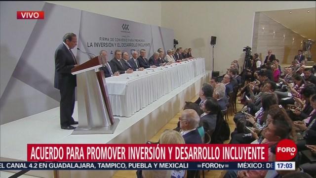 Foto: Empresarios firman compromiso de inversión con el Gobierno Federal