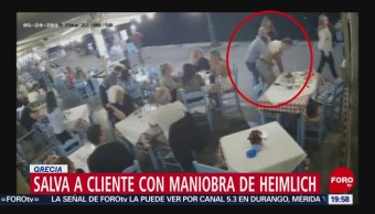 FOTO: Encargado de restaurante en Grecia salva a comensal de morir ahogado, 15 Junio 2019