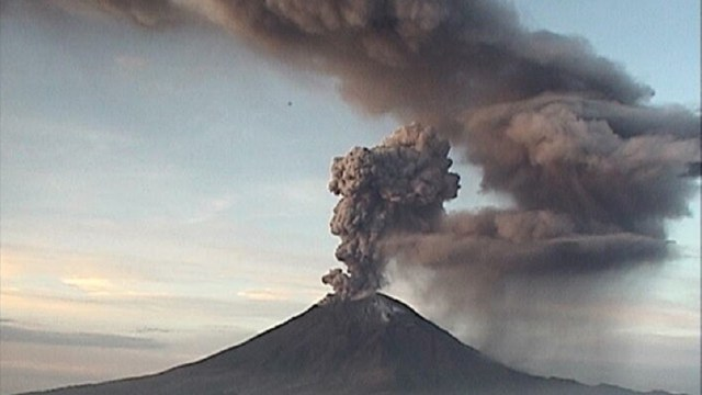 Foto: explosión del volcán Popocatépetl, 17 de junio 2019. EFE