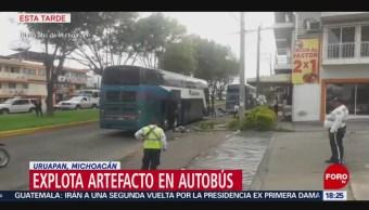 FOTO: Explota artefacto dentro de autobús, en Michoacán