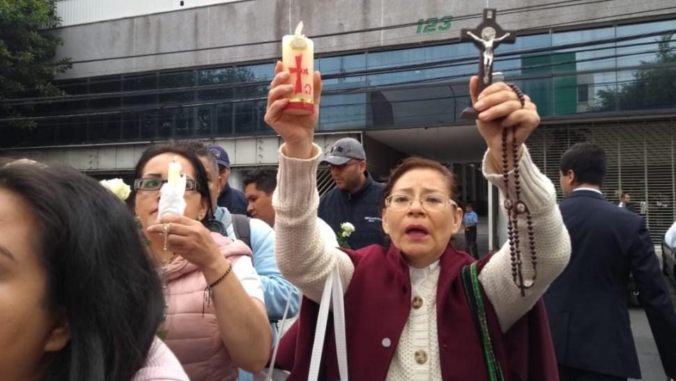 FOTO Protestan frente a TSJCDMX por libertad del sacerdote vinculado a homicidio de Leonardo Avendaño (Noticieros Televisa 24 junio 2019 cdmx)