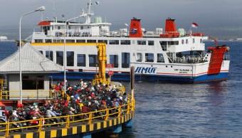 Indonesia: Hundimiento de un ferry deja al menos 15 muertos