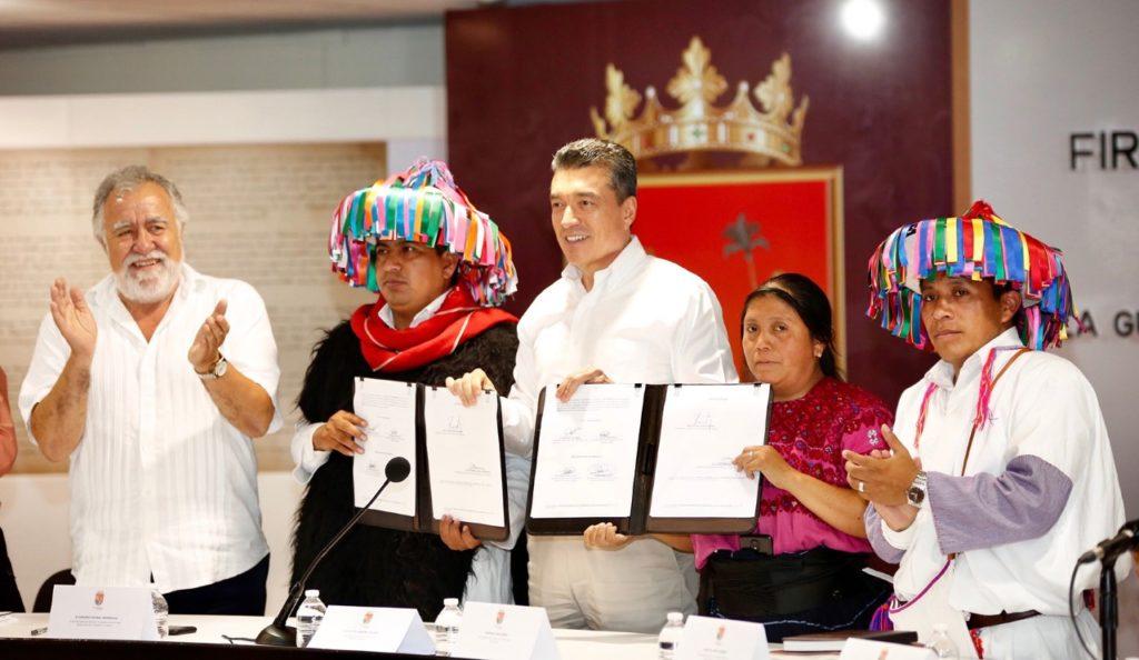 Foto Firman pacto de no agresión Comunidades de Aldama y Chenalhó, en Chiapas 5 junio 2019