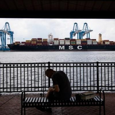 Decomisan 16.5 toneladas de cocaína en un barco en Estados Unidos