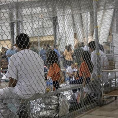 Miles de migrantes en cuarentena en EEUU por riesgo de paperas y varicela