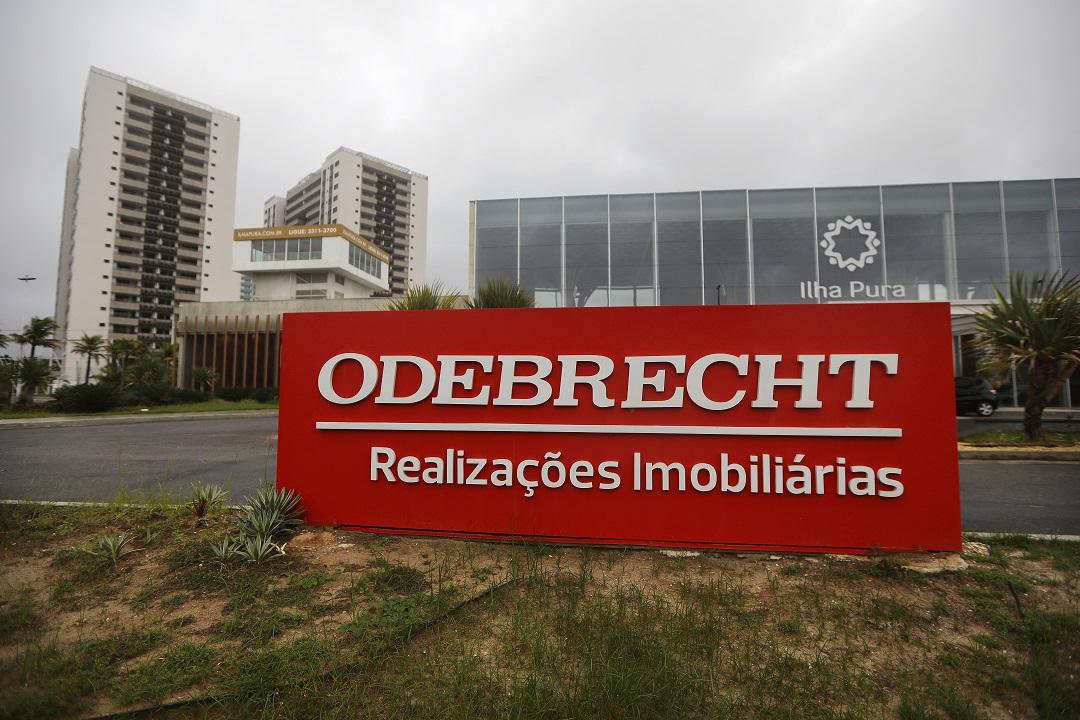 Foto: Letrero de la constructora Odebrecht en una villa de los Juegos Olímpicos de Río. El 12 de abril de 2017