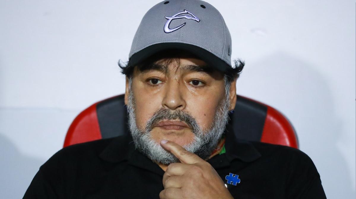 Foto: Diego Armando Maradona durante observa un partido de la Liga de Ascenso en Zacatecas, México. El 27 de abril de 2019