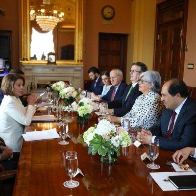 Ebrard y Pelosi hablan sobre ratificación del T-MEC