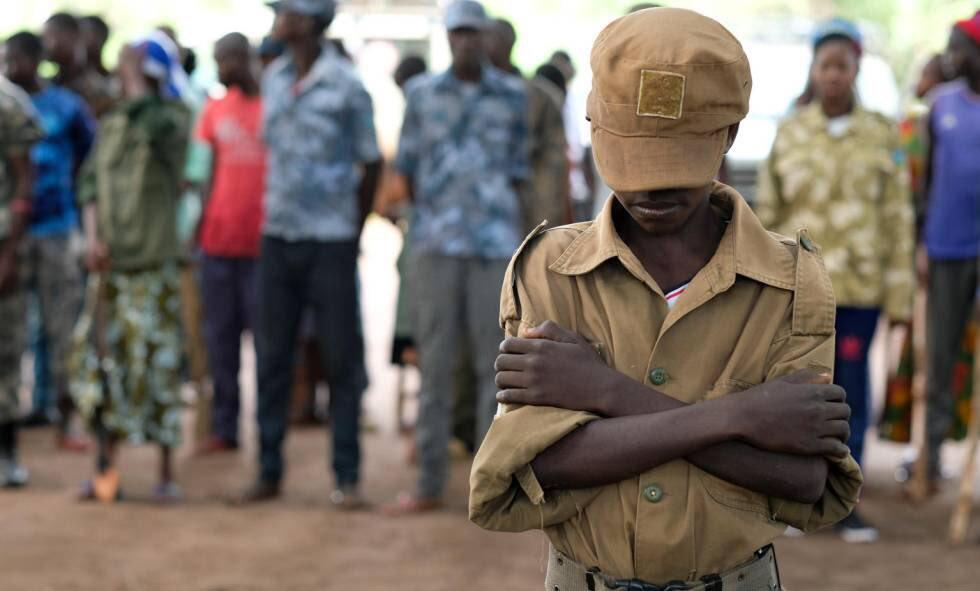 Foto: Un niños soldado liberado