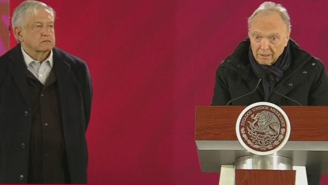 El presidente de México, , Andrés Manuel López Obrador (i), y el fiscal general Alejandro Gertz Manero (d), durante una conferencia de prensa, 28 junio 2019