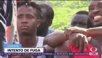 Haitianos y africanos intentan fugarse de estación migratoria en Tapachula
