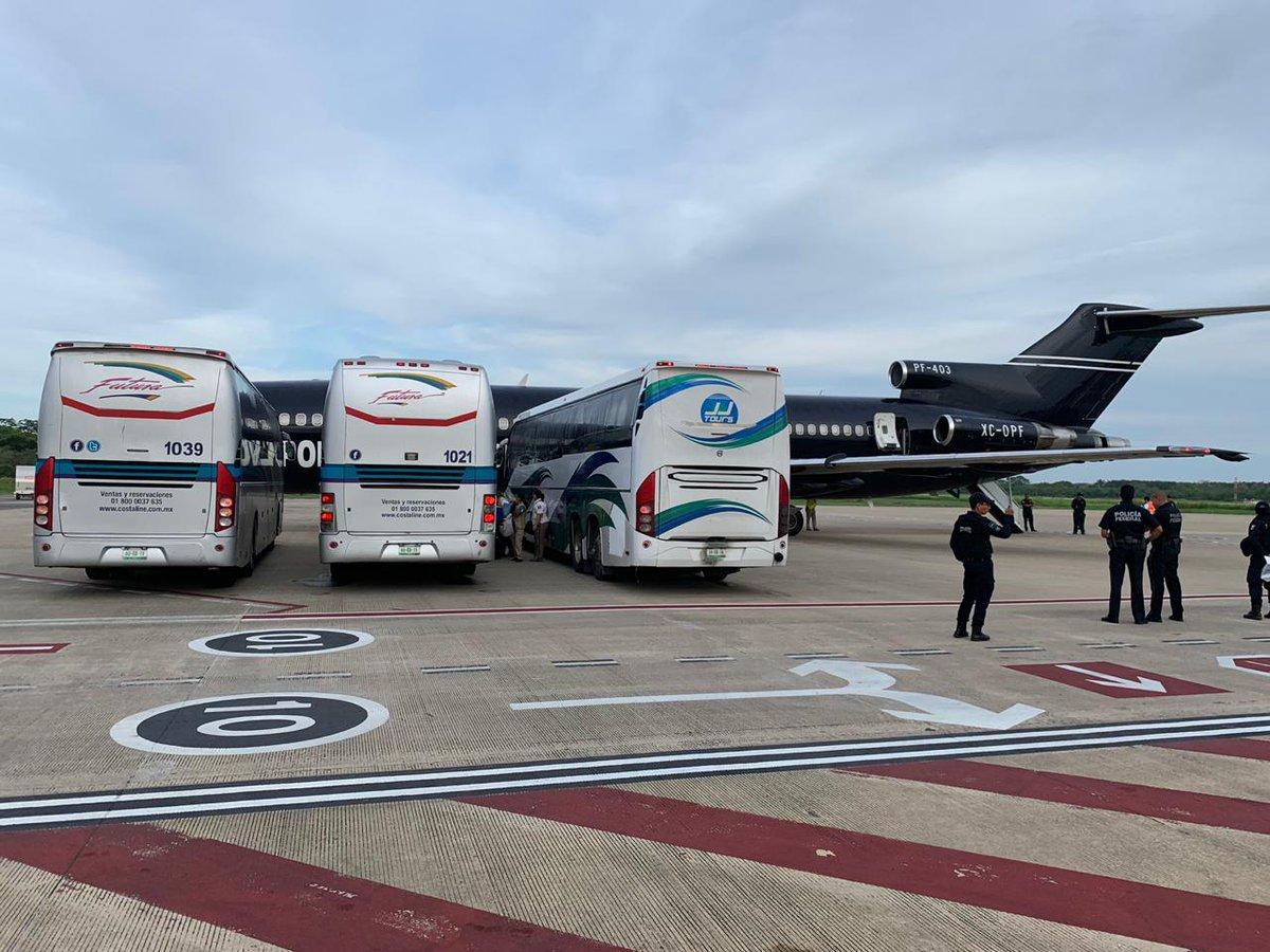 Foto INM repatria vía aérea a 100 migrantes hondureños 4 junio 2019