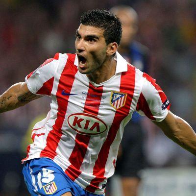 Muere futbolista José Antonio Reyes en accidente de tráfico en Sevilla