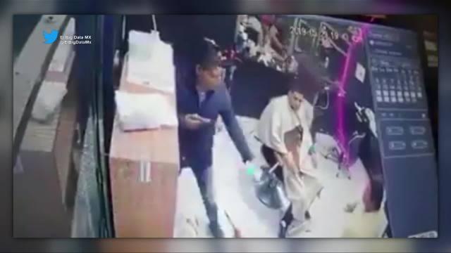 Ladrón asalta una barbería en la alcaldía Iztacalco