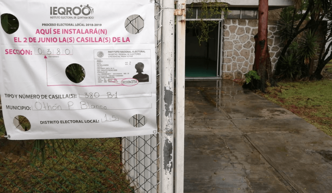FOTO Lluvias afectan instalación de casillas en Chetumal, Quintana Roo (Twitter @novedadesqroo 2 junio 2019)