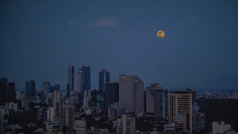 foto luna de fresa luna llena cdmx 17 junio 2019