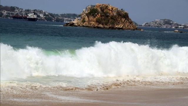 Foto: mar de fondo en Acapulco, 30 de mayo 2019. Twitter @AcapulcoGob