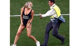 Foto: Kinsey Wolanski, la mujer que se ha vuelto viral en redes sociales tras interrumpir la final de la Champions league 2019 entre el Liverpool y Tottenham, junio 1 de 2019 (Instagram @vitalyzdtv)