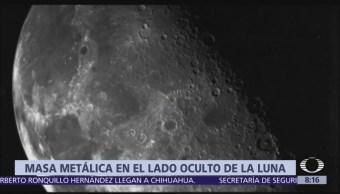 Masa metálica en el lado oculto de la luna