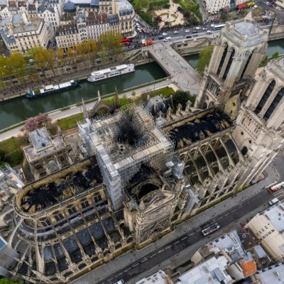 La catedral de Notre Dame alista su primera misa tras incendio