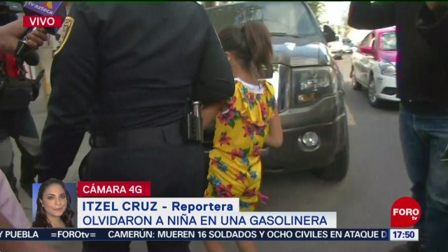 FOTO: Olvidan a niña en una gasolinera