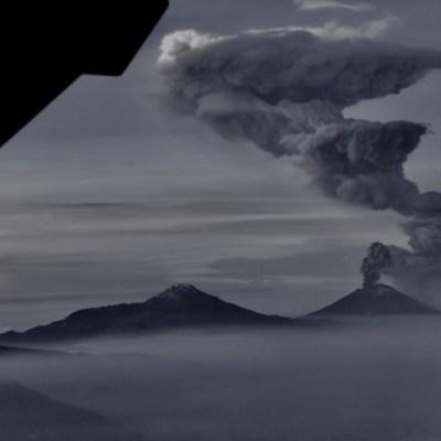 Popocatépetl: Material incandescente desciende por las laderas del volcán tras explosión
