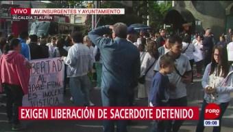 Protestan contra detención de sacerdote Francisco Javier Bautista