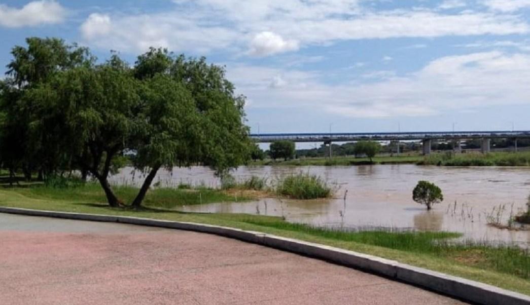 Foto: Incrementa caudal del río Bravo, 5 de junio 2019. Twitter @rancheritaxemu