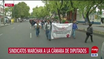 Sindicatos marchan a la Cámara de Diputados