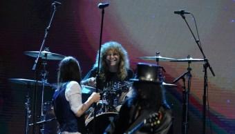 Foto Exbaterista de Guns N 'Roses se acuchilla el estómago 28 junio 2019