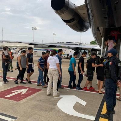 INM repatria a 105 migrantes hondureños, salen de Tabasco
