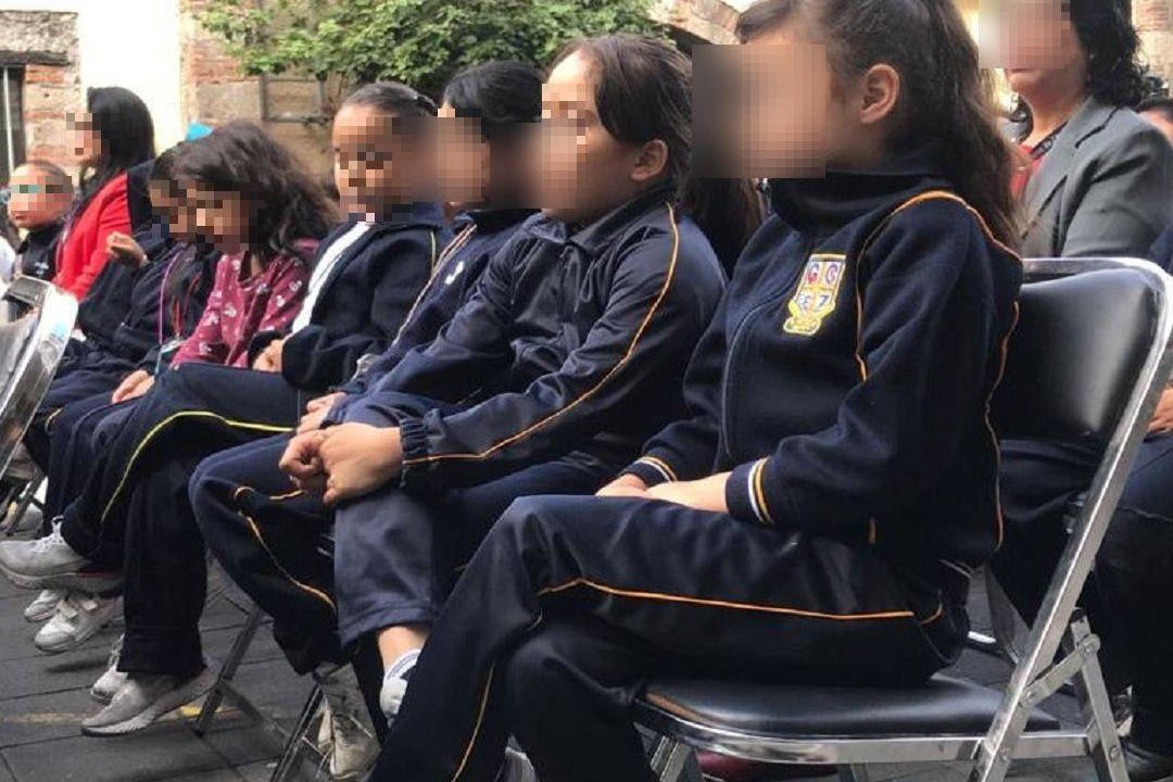 Polémica por uniforme olvida seguridad de niñas, Moctezuma
