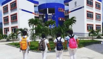 Foto: estudiantes en la Universidad Autónoma de Guerrero, 11 de junio 2019. Twitter @orgullouagro