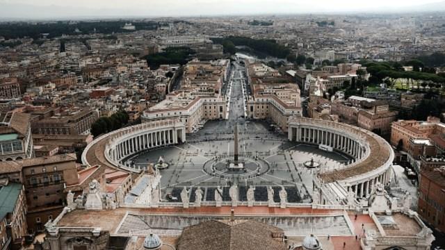 Vaticano abre el debate sobre sacerdotes casados
