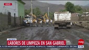 FOTO: Voluntarios limpian las calles de San Gabriel
