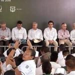 Foto AMLO dialoga con comunidad del Hospital Rural San Cayetano 12 julio 2019