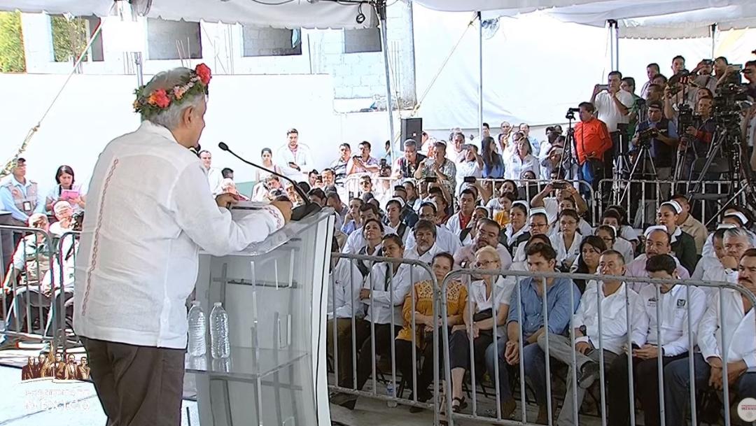 Foto: El presidente Andrés Manuel López Obrador encabeza diálogo con la comunidad del Hospital Rural Huejutla de Reyes, Hidalgo, el 21 de julio de 2019 (Gobierno de México)