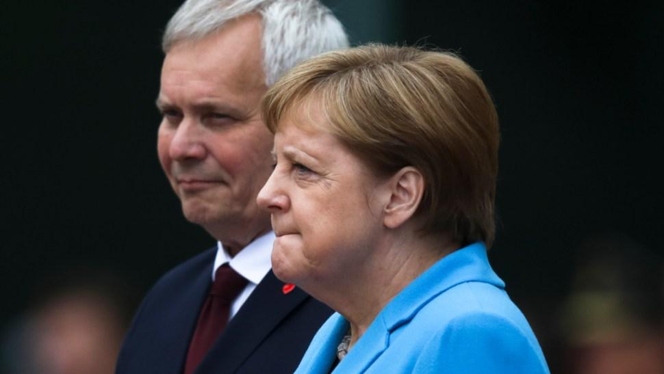 FOTO Merkel sufre nuevos temblores, tercera ocasión en un mes (AP)