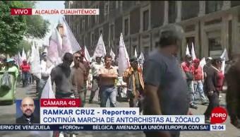 Antorchistas llegan al Zócalo de la CDMX