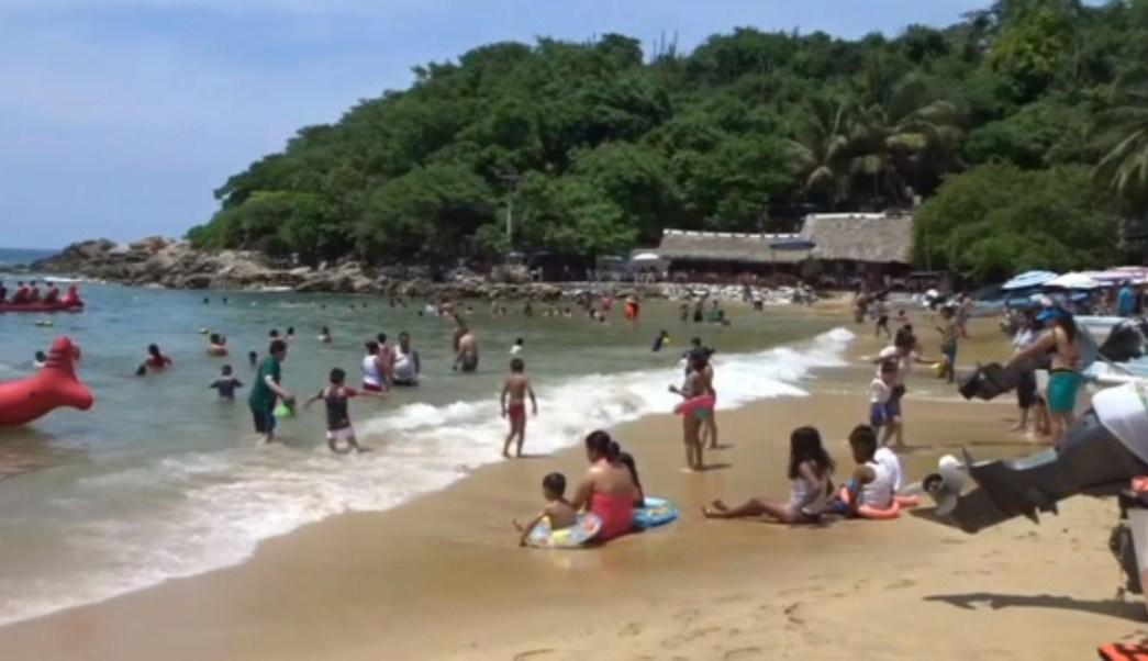Foto: Huatulco y Puerto Escondido, son los destinos turísticos que más visitantes reciben durante las vacaciones de verano, 14 de julio de 2019, (Noticieros Televisa)
