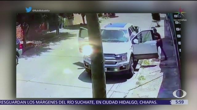 Asaltan a regidor de Puerto Vallarta y le roban camioneta
