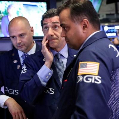 Wall Street cierra con ganancias tras comentarios de jefe de la Fed