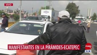 Campesinos protestan en la autopista México-Pirámides