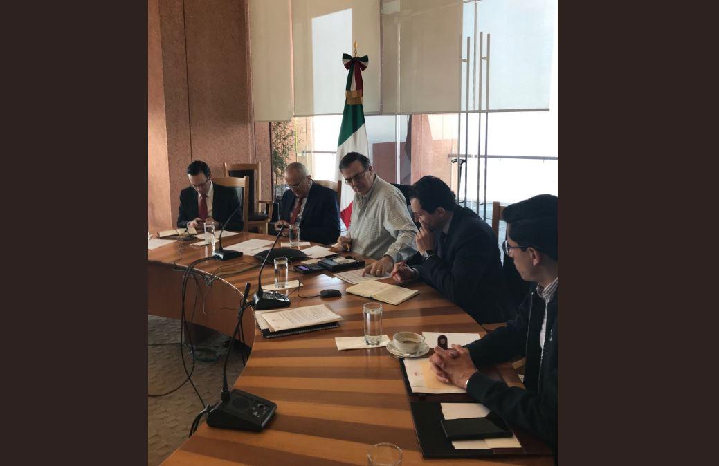 Foto: La SRE instala un centro de operaciones con los 50 consulados en videoconferencia para proteger a connacionales en Estados Unidos, el 14 de julio de 2019 (Twitter @m_ebrard)