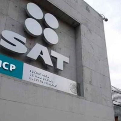 AMLO revela que uno de los expresidentes de México debe impuestos al SAT