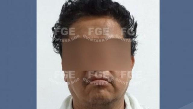 FOTO Dos taxistas, vinculados por secuestro de estudiante en Cancún (Fiscalía Quintana Roo)