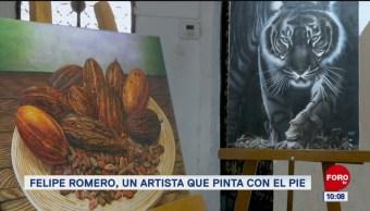 Felipe Romero, un artista que pinta con el pie