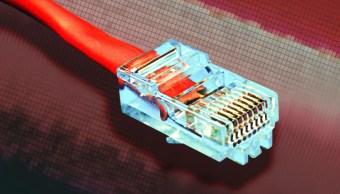 FOTO ¿Cuánto cobrará filial de CFE por servicio de internet? (AP, archivo)